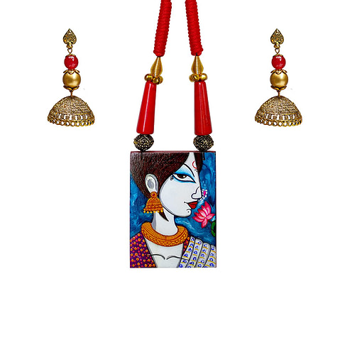 Fabric Oil Painting Fully Handcrafted Modern Lady Painting Necklace1