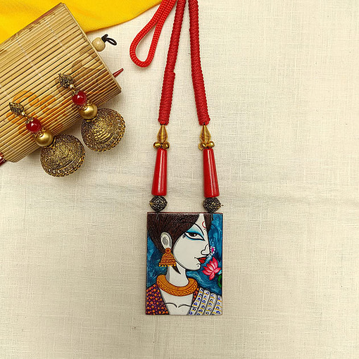 Fabric Oil Painting Fully Handcrafted Modern Lady Painting Necklace2