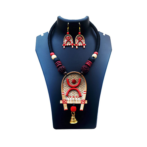 Handcrafted Shitolpati Wooden Necklace Set1