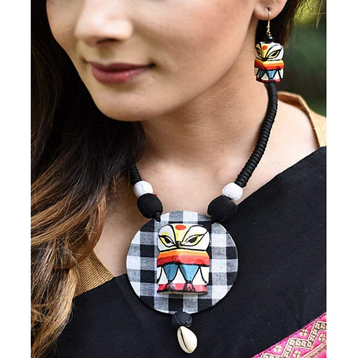 Latest Hand Painted Wooden Owl Necklace Set Of 2
